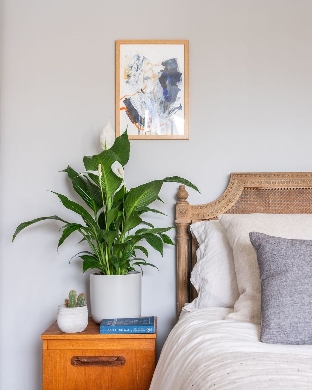 peace lily next to bed
