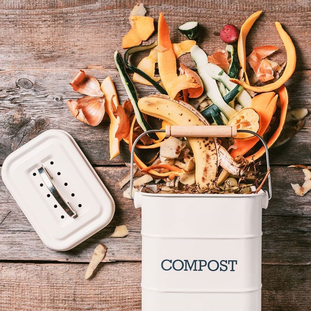 compost bucket with sawdust and compost